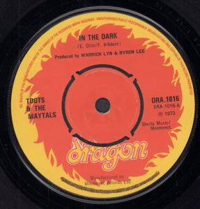 TOOTS AND THE MAYTALS - In the Dark - 45T (SP 2 titres)